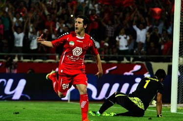 سرانجام قرمزهای پایتخت(تیم فوتبال پرسپولیس) بعد از 4 سال به صدر رسیدند